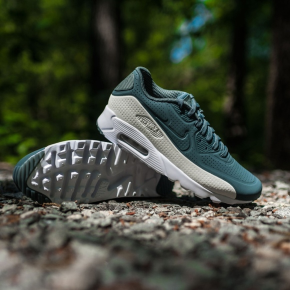 new product 95ee3 d2cc6 Men s Nike Air Max 90 Ultra Moire (Size 12)